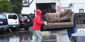 Lưu ý khi chuyển nhà vào mùa mưa